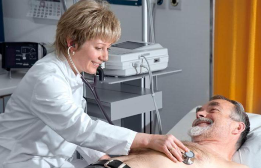 Наблюдение врача за больным