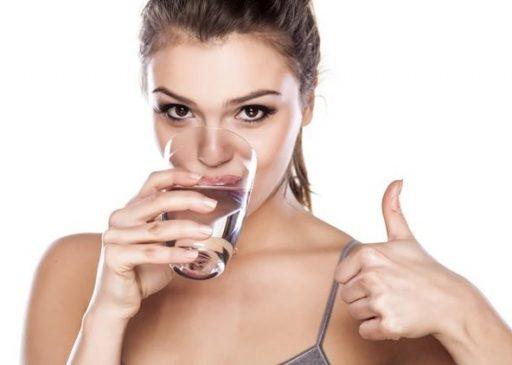 Пить минеральную воду очень полезно